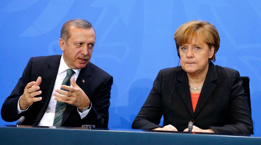 German Chancellor Angela Merkel and Turkish President Tayyip Erdogan © Tobias Schwarz
