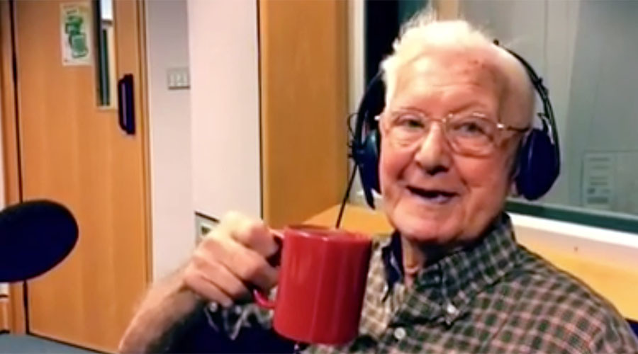 'I feel so alone': 95-yo man invited to radio show after touching call about ailing wife