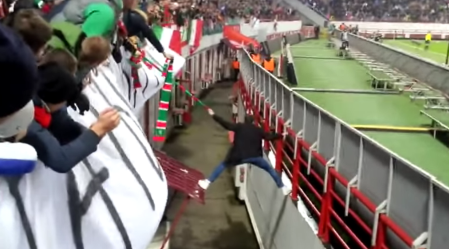 Why every football hooligan needs a fan scarf (VIDEO)