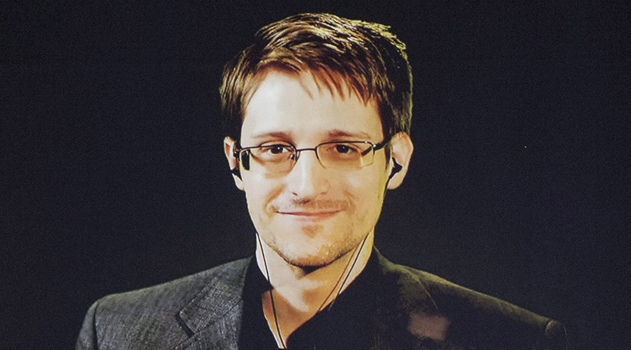 'Stay free!' 14 times Edward Snowden totally owned the game on Twitter