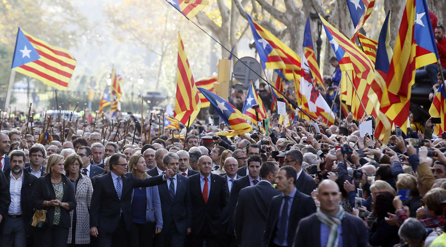 Resolution to start secession process submitted to Catalan parliament