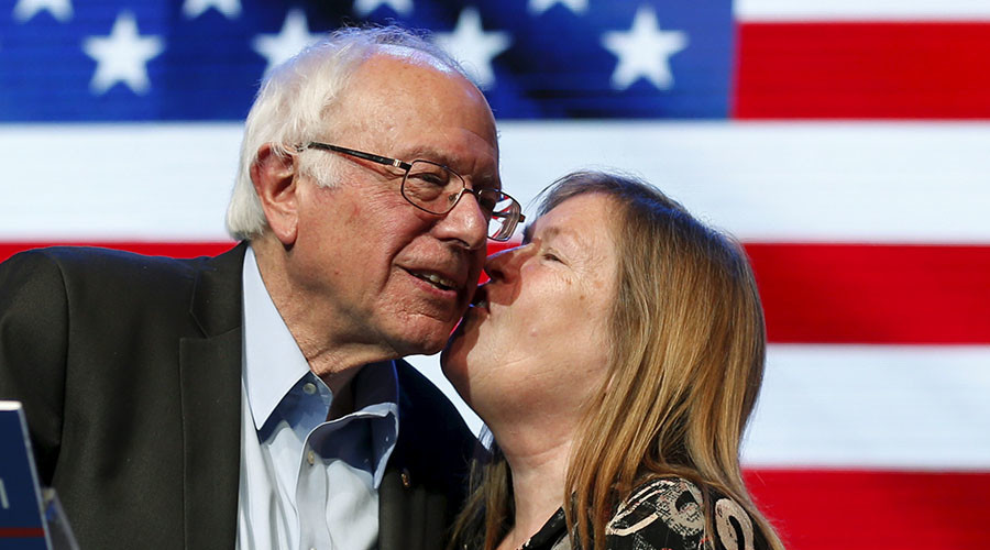 Democratic U.S. presidential candidate Bernie Sanders and his wife Jane O'Meara Sanders. © Lucy Nicholson
