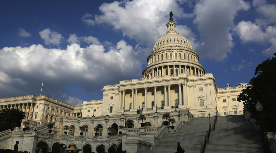 US Senate passes budget, debt limit bill, sends to President Obama
