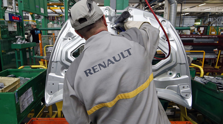 Renault sales in Russia down almost 30%