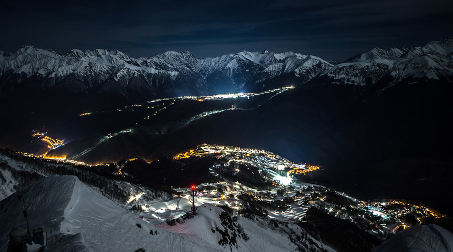 The Olympic pistes, the Rosa Khutor Alpine Center and the Rosa Khutor Extreme Park. Anton Denisov. © Anton Denisov