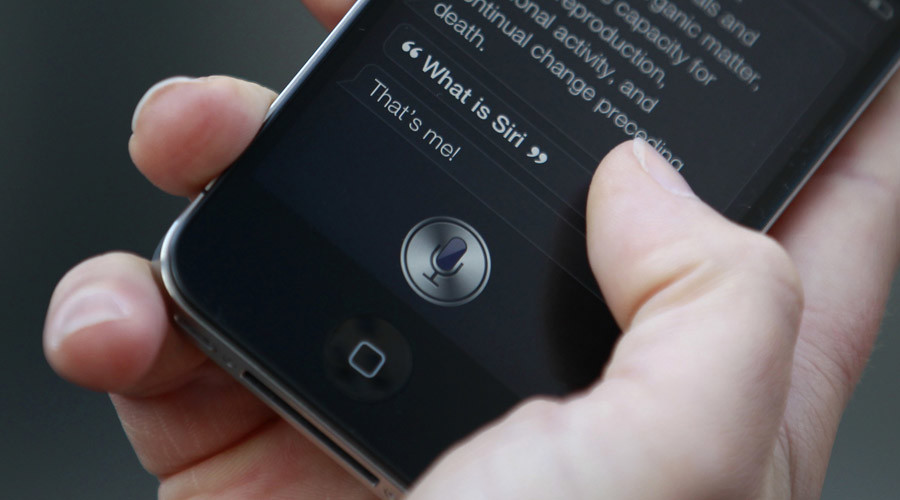 Nearly half smartphone users 'can imagine falling in love with Siri' – study