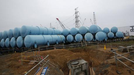 Water tanks storing radiation contaminated water are seen at Tokyo Electric Power Co's (TEPCO) tsunami-crippled Fukushima Daiichi nuclear power plant in Fukushima prefecture. © Shizuo Kambayashi