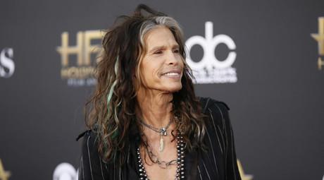 Singer Steven Tyler of Aerosmith © Danny Moloshok