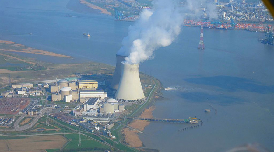 Nuclear power plant of Doel © wikipedia.org