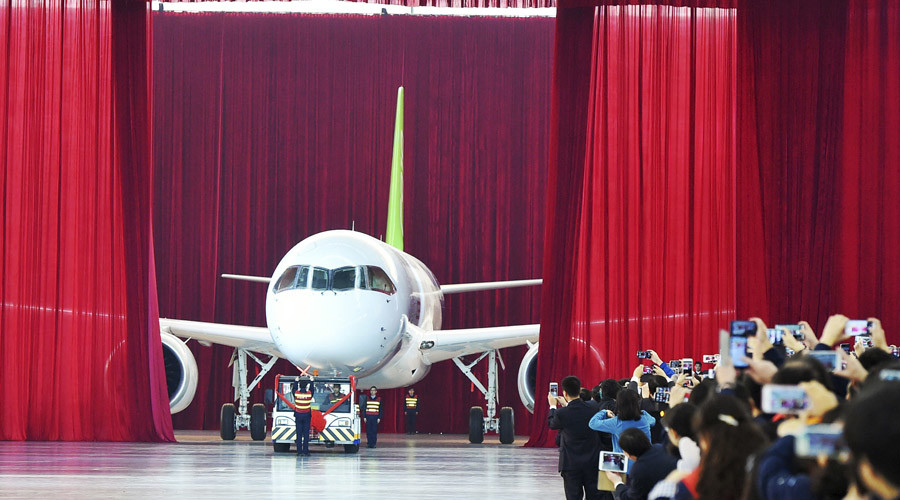 China unveils first homegrown jetliner