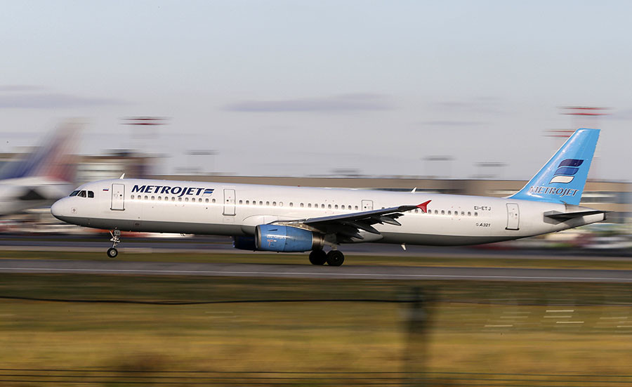 The Metrojet's Airbus A321 with registration number EI-ETJ that crashed in Egypt's Sinai peninsula, takes off from Moscow's Domodedovo airport, Russia, in this picture taken October 20, 2015. © Marina Lystseva