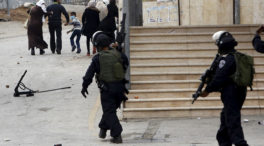 Hebron violence: 4 Israelis wounded in shootings, stabbing; old Palestinian woman shot dead by IDF