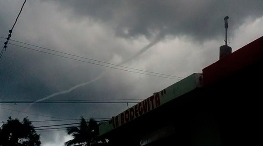God's straw? Weird waterspout in Santo Domingo (PHOTOS, VIDEOS)