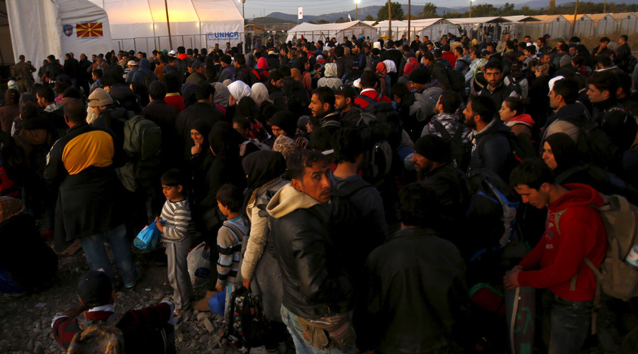 EU mulls Balkan migrant processing centers to 'avoid catastrophe'