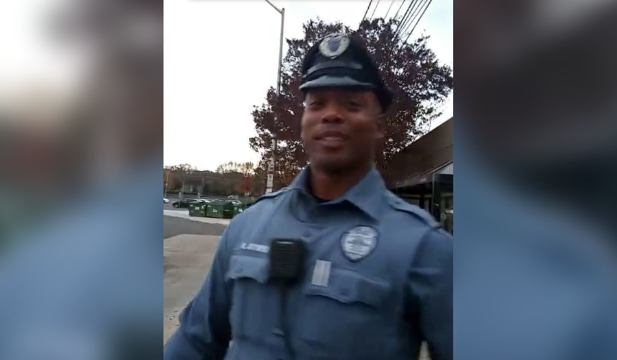 Delaware cop caught... giving shoes to barefoot homeless man (VIDEO)
