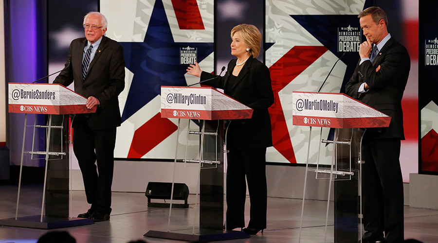 Democratic U.S. presidential candidates Senator Bernie Sanders, former Secretary of State Hillary Clinton and former Maryland Governor Martin O'Malley (R) participate in the second official 2016 U.S. Democratic presidential candidates debate in Des Moines, Iowa, November 14, 2015 © Jim Young