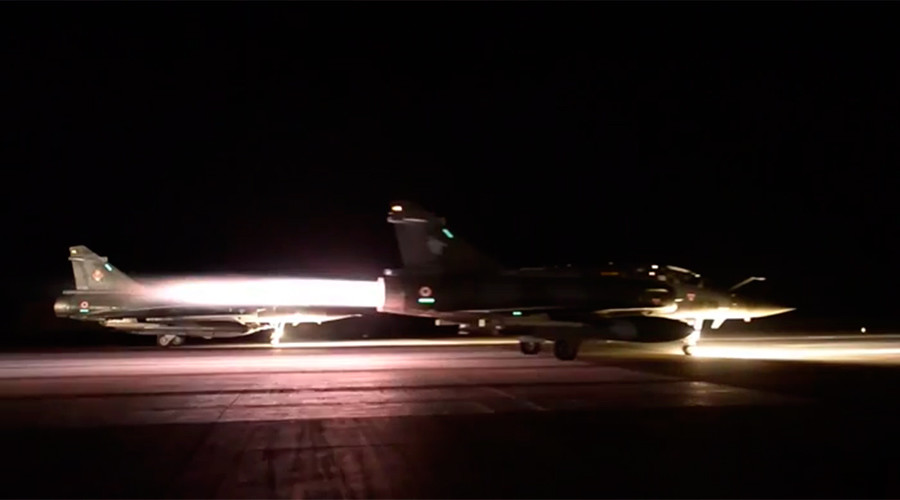French jets drop 20 bombs in massive anti-ISIS raid in Syria