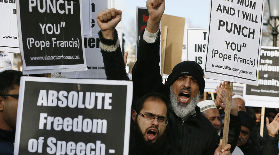 'Muslim voices strongest critics of ISIS'