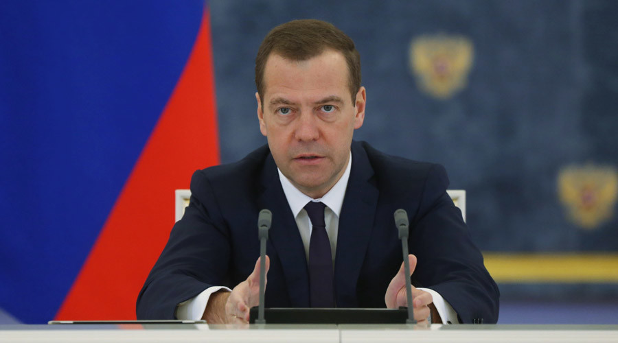 'War on civilized world': Medvedev urges powers to unite after Russian plane bombing, Paris attacks