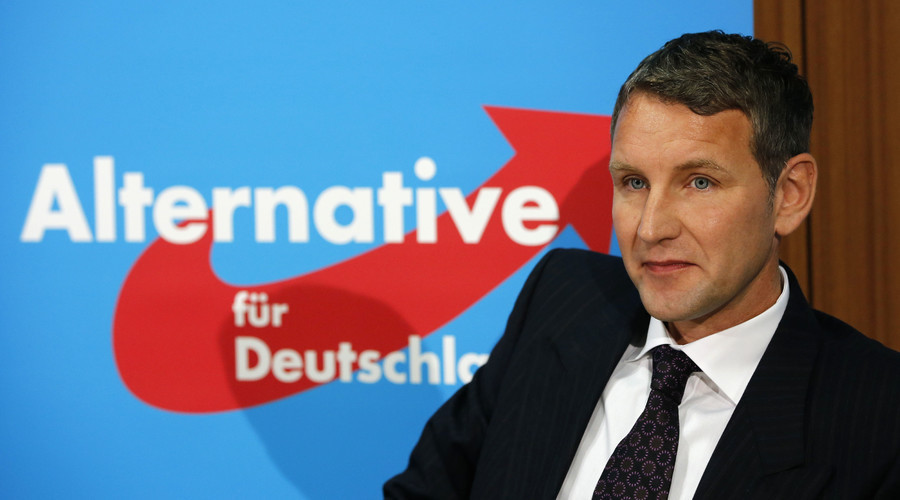 Bjoern Hoecke, top-candidate of the Alternative for Germany (AfD) party in the upcoming Thuringia state election, addresses a news conference in Berlin September 1, 2014. © Fabrizio Bensch / Reuters