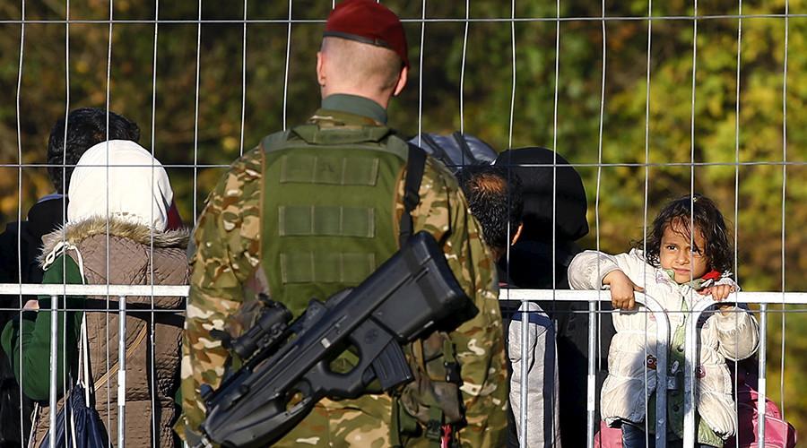'Despite refugee crisis, EU countries still afraid to say 'fence''