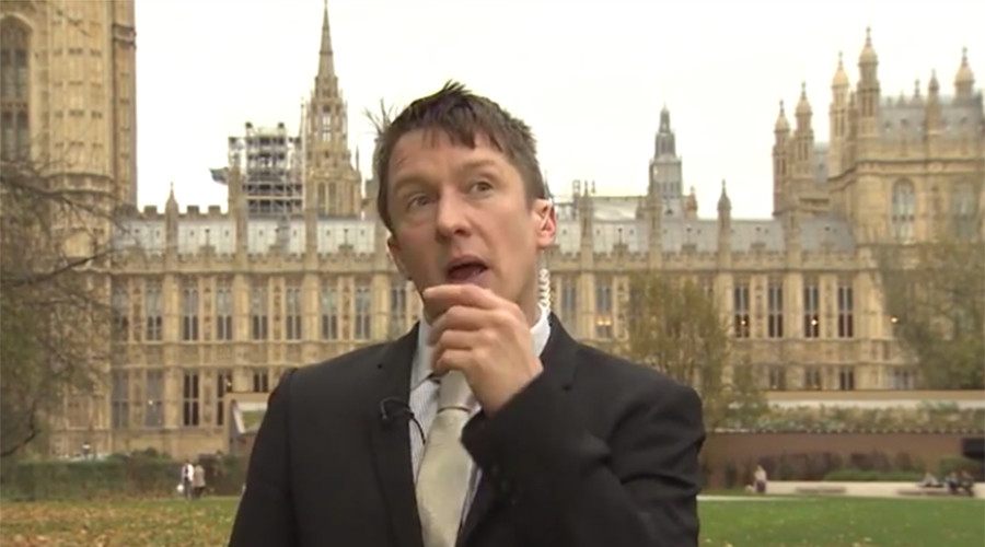 'F*ck you terrorists, I'm walking to work!' Jonathan Pie on the Paris attacks (VIDEO)