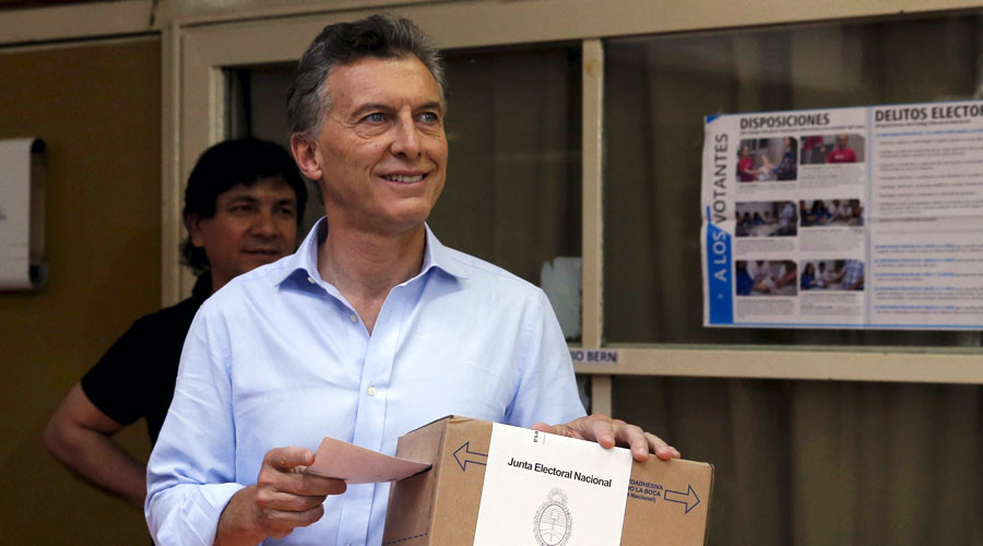 Argentina's opposition candidate Macri wins presidential run-off vote, as Scioli concedes defeat