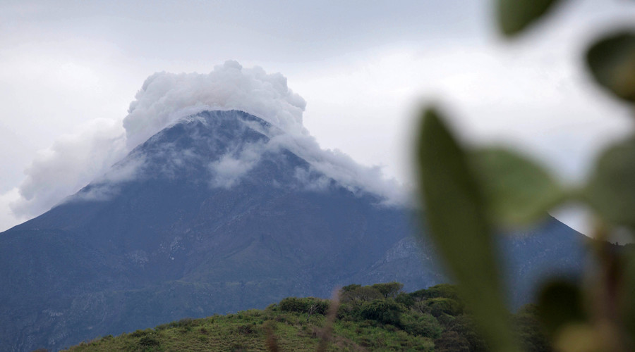 Colima volcano erupts spectacularly in Mexico (VIDEOS)