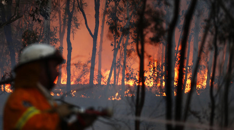 'Uncontrolled' fire fueled by hot weather & dry winds rages in South Australia (PHOTOS, VIDEO)