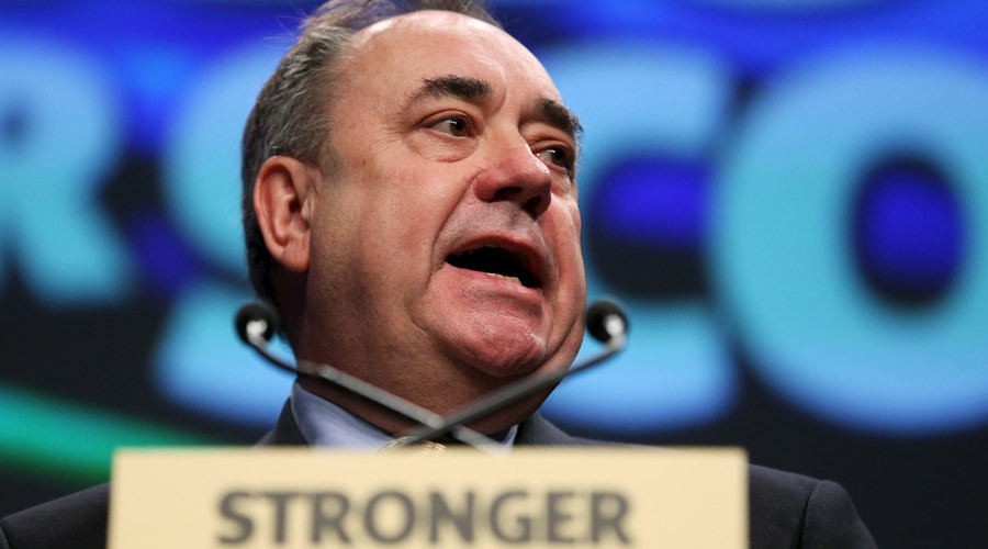 Salmond fires back at 'crass' claims he dodged Syria statement to unveil portrait