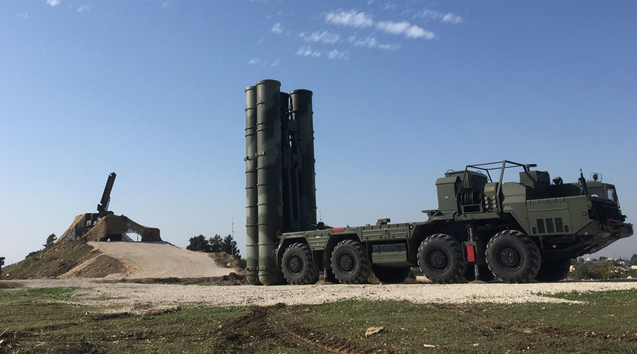 russia deploys cutting edge s 400 air defense system to syrian base after su 24 downing rt news. Black Bedroom Furniture Sets. Home Design Ideas
