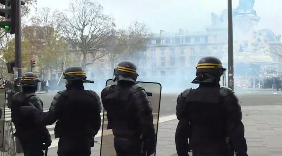 200+ detained, tear gas & scuffles at banned Global March for Climate in Paris (VIDEO)
