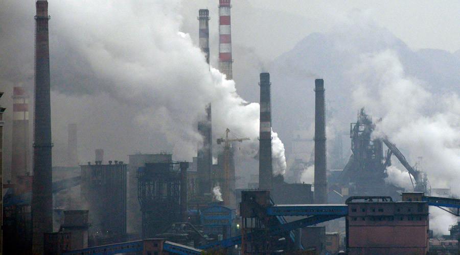 Heavy smog in Beijing triggers 'orange alert', highest danger level this year