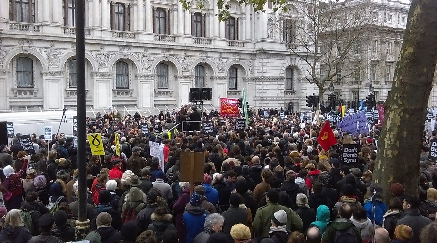 Cameron vs. thousands: Will massive protests against Syria campaign prevail in UK politics?