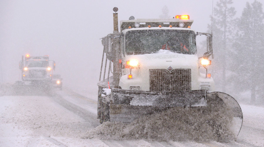At least 14 dead as storms & ice wreak havoc across US Midwest