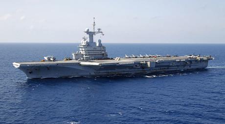 France's flagship Charles de Gaulle aircraft carrier. ©Benoit Tessier