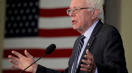 U.S. Democratic presidential candidate and U.S. Senator Bernie Sanders © Mary Schwalm