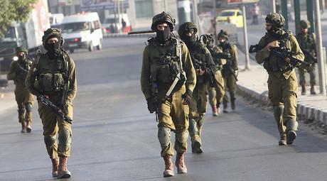 Israeli soldiers © Abed Omar Qusini
