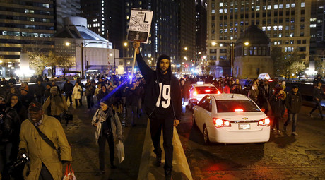 Protesters demonstrate in response to the fatal shooting of Laquan McDonald in Chicago, Illinois, November 25, 2015. © Andrew Nelles