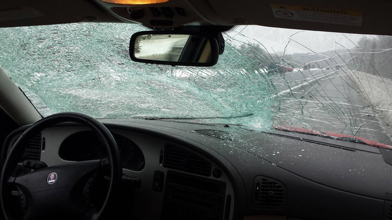 How To Get Ice Off Of Windshield >> Driver calmly survives smashed windshield (VIDEO) — RT America