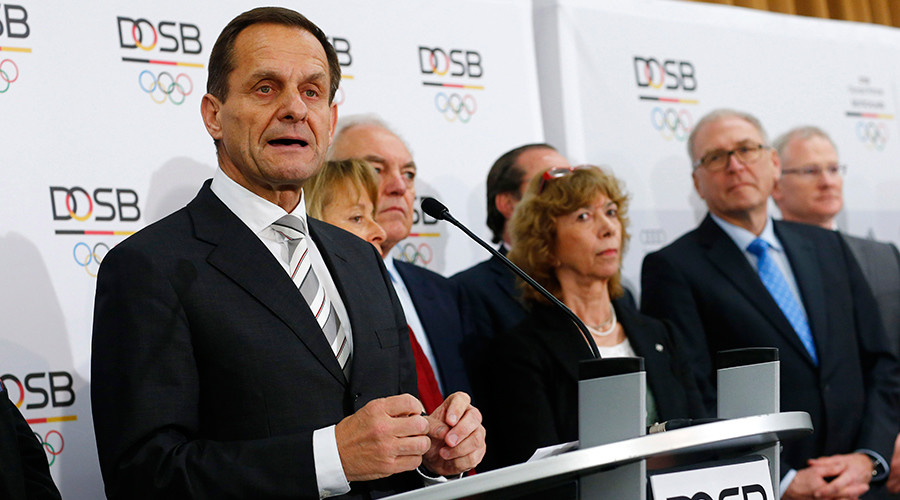 Alfons Hoermann (L), President of the German Olympic Sports Confederation (DOSB) © Ralph Orlowski