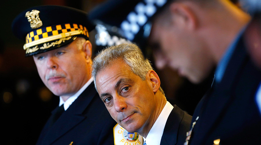 ARCHIVE PHOTO: Chicago Police Superintendent Garry McCarthy (L) stands with Mayor of Chicago Rahm Emanuel (C) during a recruitment graduation ceremony in Chicago, Illinois © Jim Young
