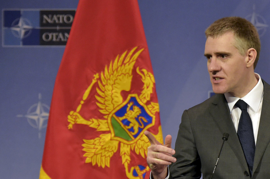 Foreign Minister of Montenegro Igor Luksic gestures during a news conference after a NATO foreign ministers meeting at the Alliance's headquarters in Brussels, Belgium, December 2, 2015 © Eric Vidal