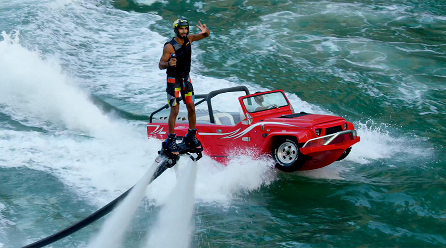 Flyboarders showcase head-spinning acrobatic skills in Dubai (VIDEO)