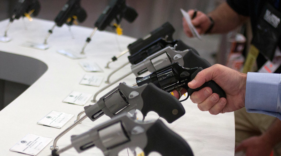 Gun sales bonanza: 2 FBI background checks per second processed on Black Friday