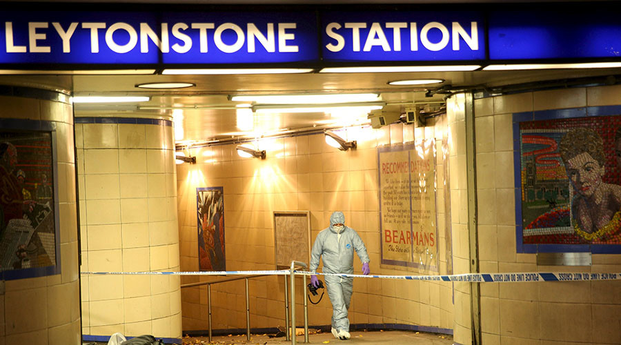 Police officers investigate a crime scene at Leytonstone underground station in east London, Britain December 6, 2015. © Neil Hall
