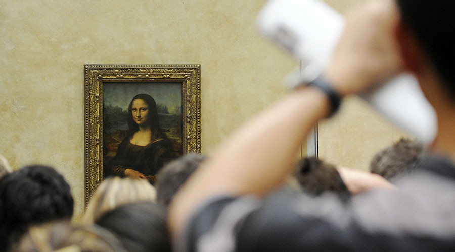Secret portrait hidden under Mona Lisa, French scientist claims