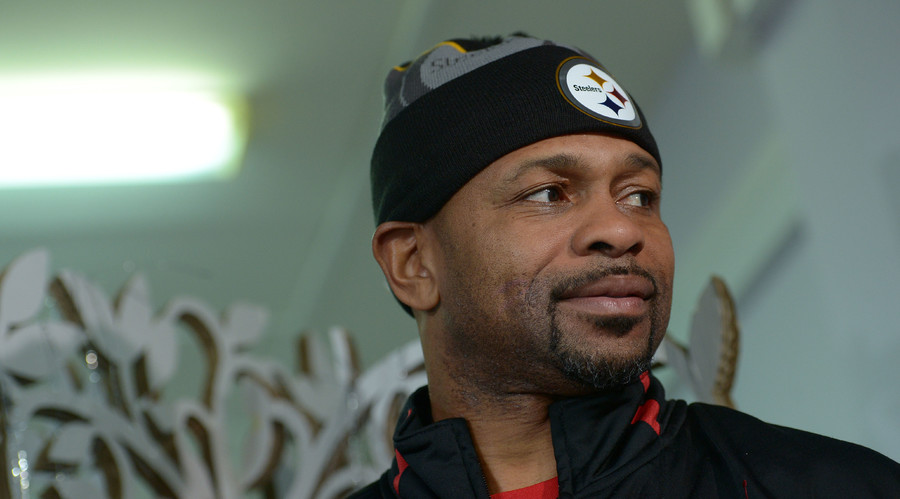 Roy Jones eyes another world title chance in Moscow