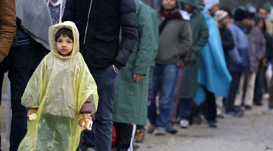 Migrant crisis could push UK out of EU – Cameron