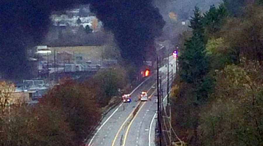 Truck crashes into train causing massive fire in Oregon (PHOTOS)